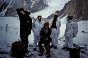 "Visiting teh Pakistani Army Camp on teh Siachen Glacier, at the border with ""India"" ( Kashmir). The longer the guys had been there, the darker their down suit! :-)"