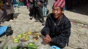 Naya Bazaar Market Day. Buying limes, $2 per kilo! Yum!
