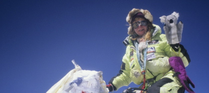 big issue sheila koala and i on top of everest